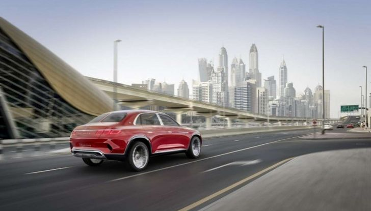 Vision Mercedes-Maybach Ultimate Luxury, il SUV di lusso dai materiali pregiati - Foto 5 di 14