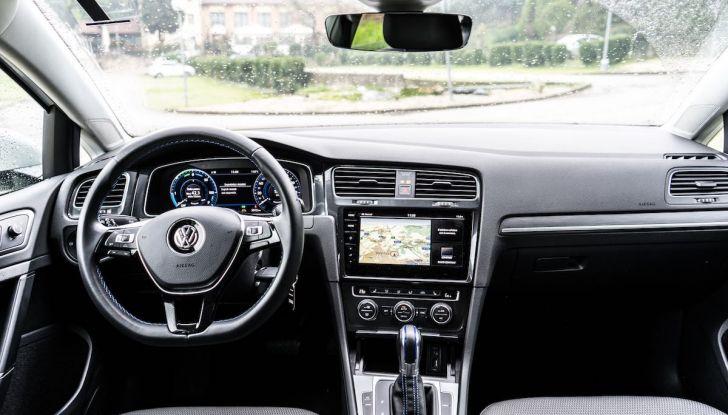 Consegnata a Dresda la Volkswagen e-Golf numero 100.000 - Foto 17 di 27