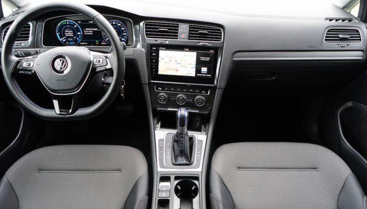 Consegnata a Dresda la Volkswagen e-Golf numero 100.000 - Foto 18 di 27