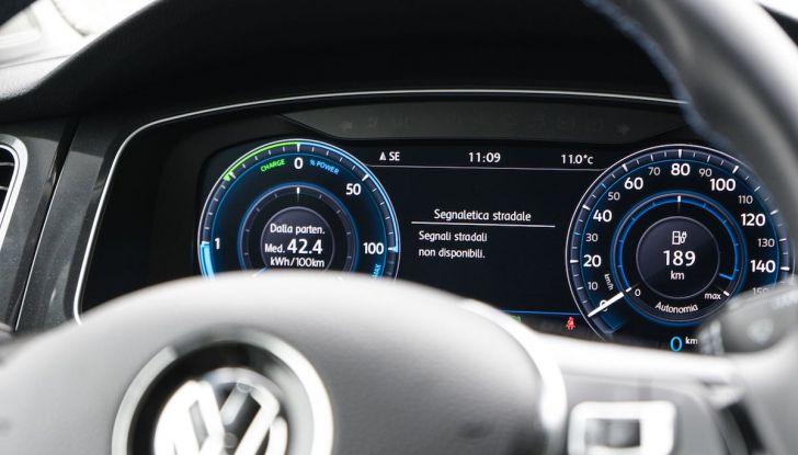 Prova Volkswagen e-Golf 2018: Tanta autonomia, comfort e stile! - Foto 19 di 27
