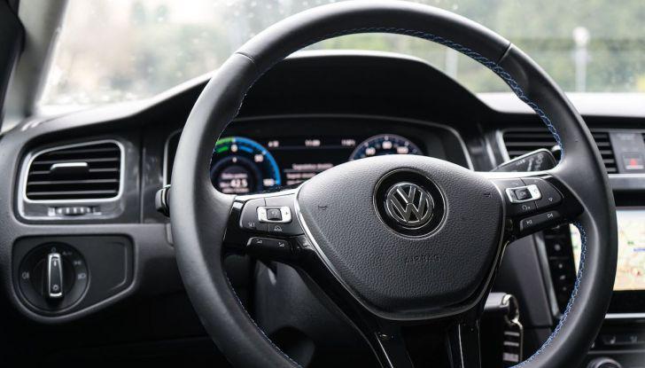 Prova Volkswagen e-Golf 2018: Tanta autonomia, comfort e stile! - Foto 21 di 27