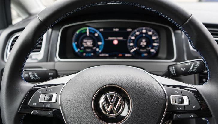 Prova Volkswagen e-Golf 2018: Tanta autonomia, comfort e stile! - Foto 9 di 27