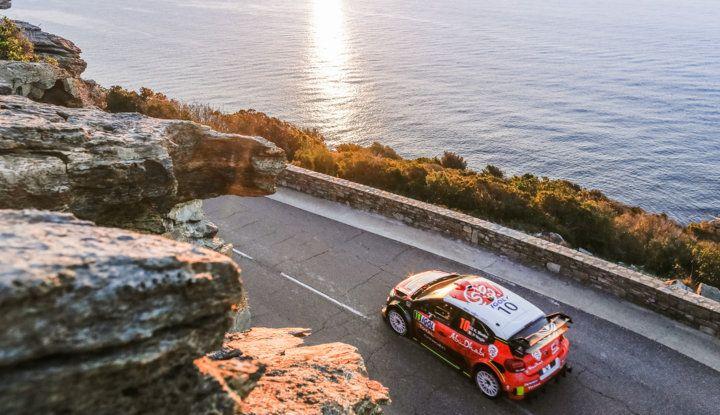 WRC Corsica 2018 – Giorno 2: vicende alterne per le Citroën C3 WRC. - Foto 3 di 11