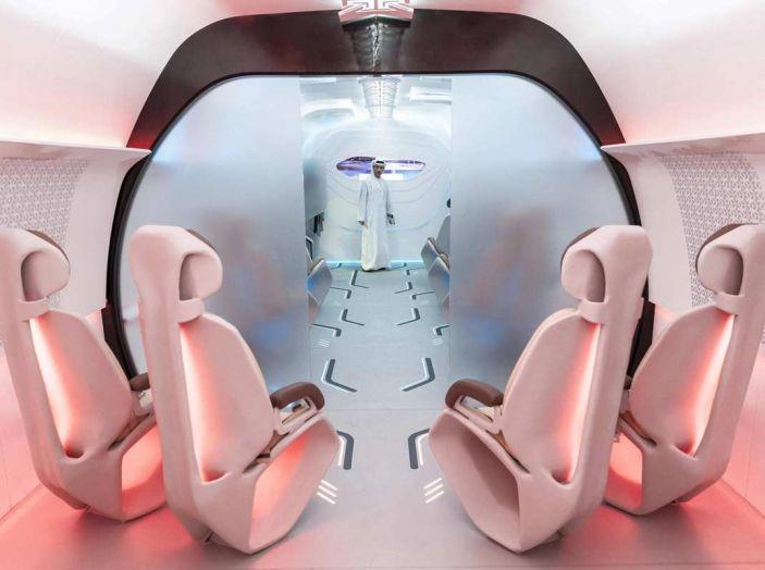 BMW Designworks e la capsula Hyperloop per viaggi di lusso - Foto 3 di 9