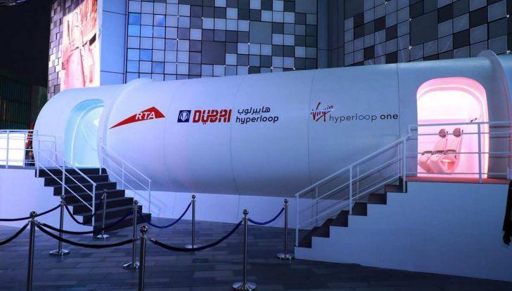 BMW Designworks e la capsula Hyperloop per viaggi di lusso - Foto 8 di 9