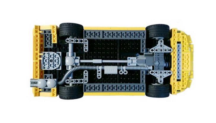 BMW M3 E30 in Lego, la sportiva fatta di mattoncini - Foto 10 di 18