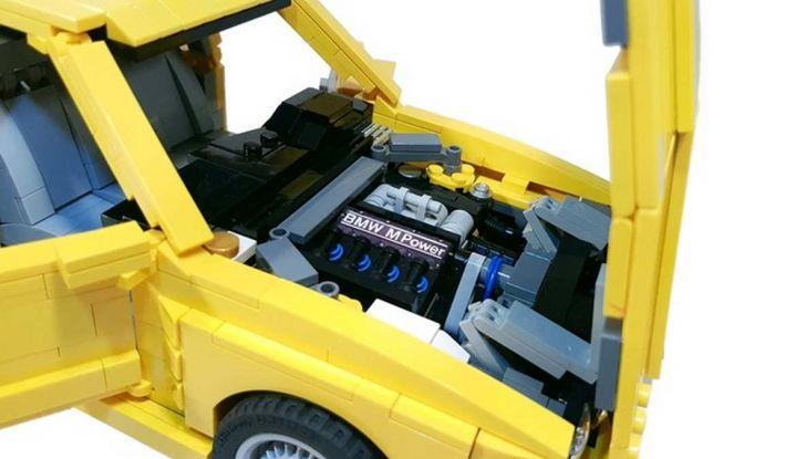 BMW M3 E30 in Lego, la sportiva fatta di mattoncini - Foto 16 di 18