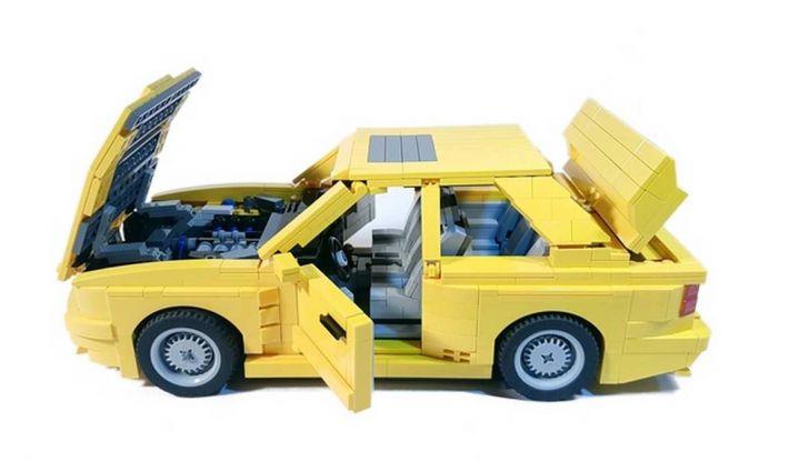 BMW M3 E30 in Lego, la sportiva fatta di mattoncini - Foto 14 di 18