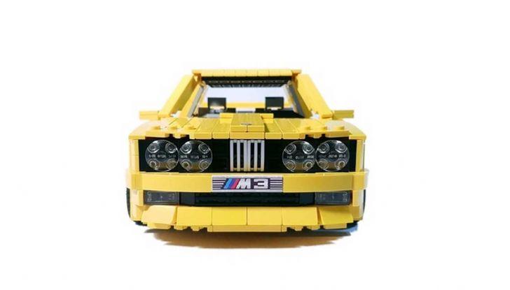 BMW M3 E30 in Lego, la sportiva fatta di mattoncini - Foto 9 di 18