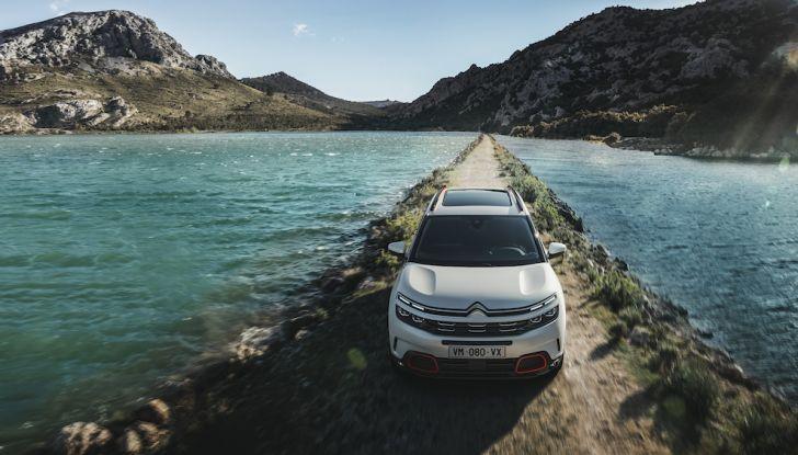 Citroen C5 Aircross: debuttano ibrido plug-in e sospensioni idrauliche - Foto 1 di 16