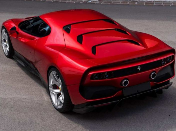 Ferrari SP38, one-off su meccanica 488 GTB - Foto 4 di 5