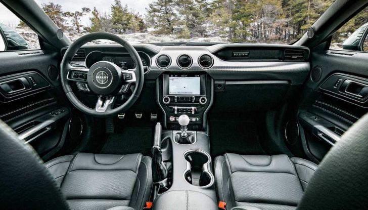 Ford Mustang Bullitt, 57.400 euro e 68 esemplari per l'Italia - Foto 12 di 18