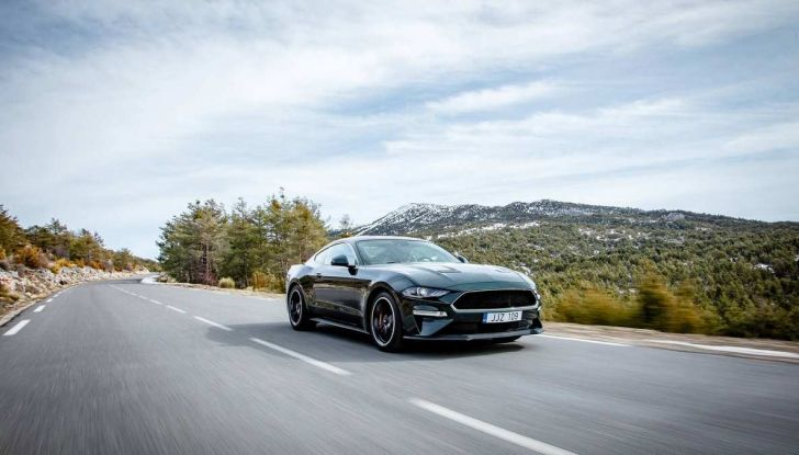 Ford Mustang Bullit provata sulle strade dell'Isola di Man - Foto 11 di 18