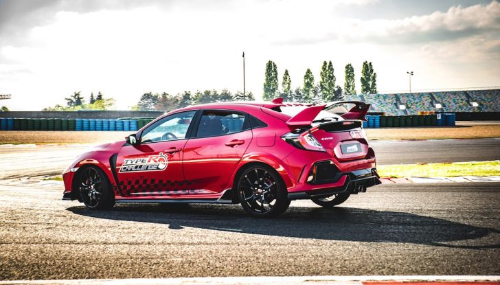 Honda Civic Type R 2018 da record a Magny-Cours, continua il Challenge! - Foto 3 di 6