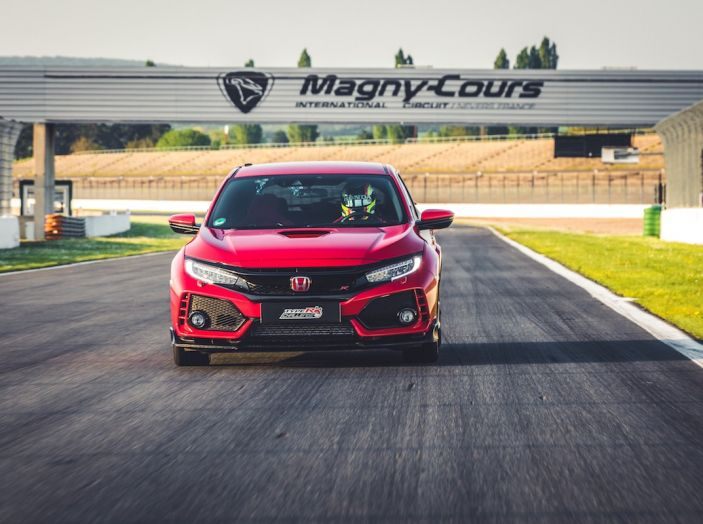 Honda Civic Type R 2018 da record a Magny-Cours, continua il Challenge! - Foto 4 di 6