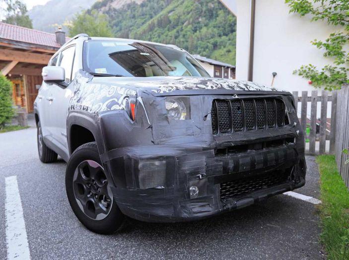 Jeep Renegade restyling 2019, nuove immagini dei test - Foto 8 di 12