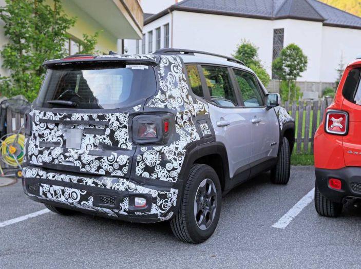 Jeep Renegade restyling 2019, nuove immagini dei test - Foto 11 di 12
