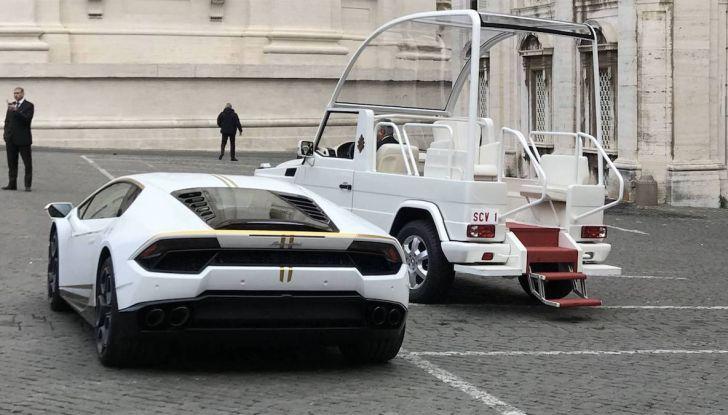 Lamborghini Huracán di Papa Francesco,  prezzo record di 715 mila euro - Foto 4 di 8