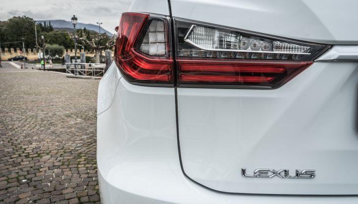 [VIDEO ]Lexus RX 450h, il SUV con 3 motori e 313CV nella nostra prova - Foto 16 di 38