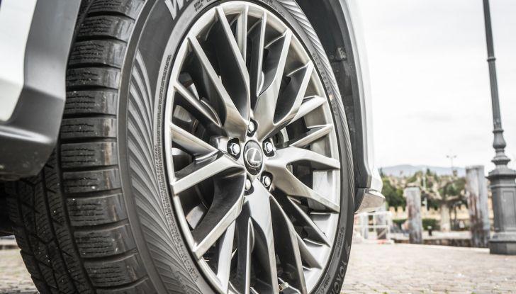 [VIDEO ]Lexus RX 450h, il SUV con 3 motori e 313CV nella nostra prova - Foto 17 di 38