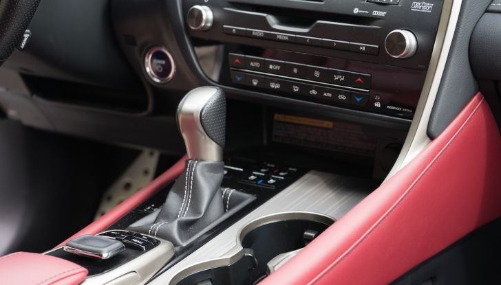 [VIDEO ]Lexus RX 450h, il SUV con 3 motori e 313CV nella nostra prova - Foto 9 di 38