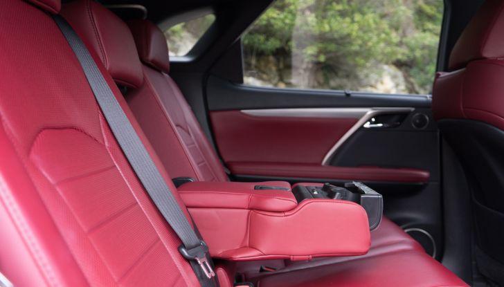 [VIDEO ]Lexus RX 450h, il SUV con 3 motori e 313CV nella nostra prova - Foto 11 di 38