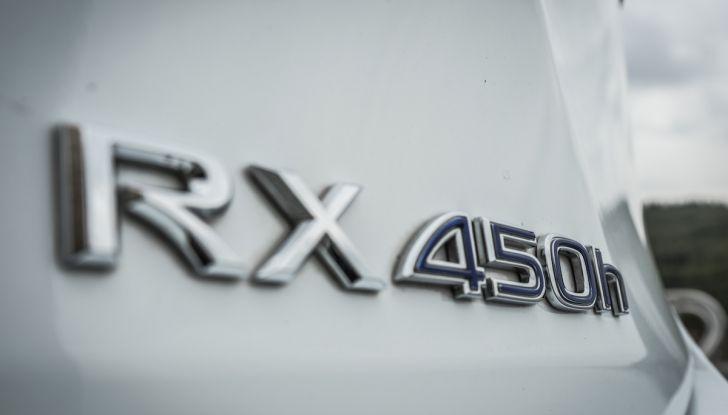 [VIDEO ]Lexus RX 450h, il SUV con 3 motori e 313CV nella nostra prova - Foto 15 di 38