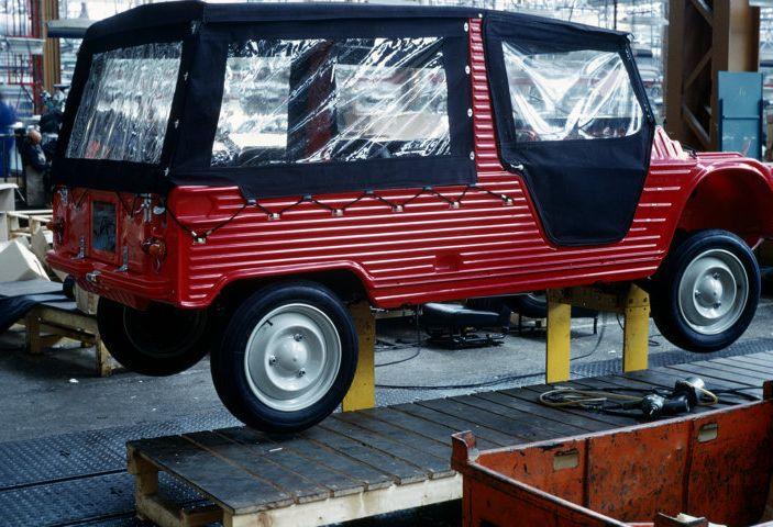 Citroën Mehari: le curiosità sui colori della carrozzeria in plastica - Foto 2 di 3