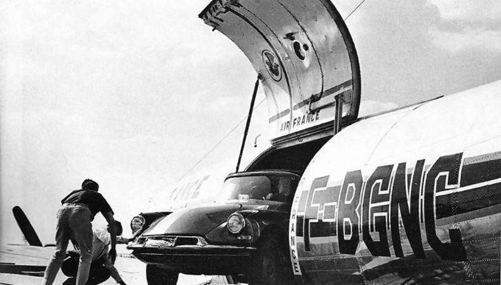 Una DS19 Cabriolet a Hollywood - Foto 4 di 5