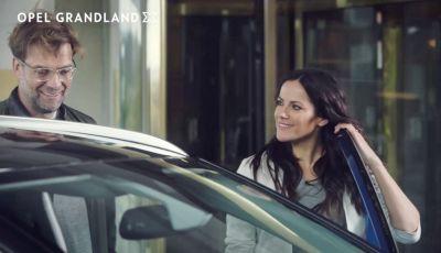 Opel, nuova campagna pubblicitaria con Jurgen Klopp e Bettina Zimmermann