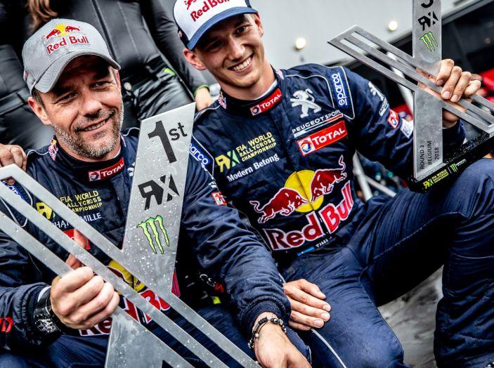 Sebastien Loeb molto soddisfatto della vittoria con la sua Peugeot 208 WRX - Foto 1 di 1