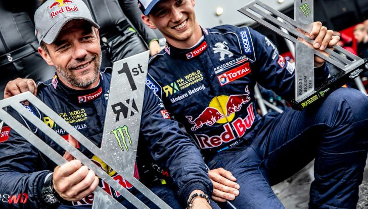 Sebastien Loeb molto soddisfatto della vittoria con la sua Peugeot 208 WRX - Foto  di