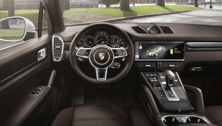 Porsche Cayenne E-Hybrid prezzi, motori e prestazioni del SUV ibrido - Foto 6 di 6
