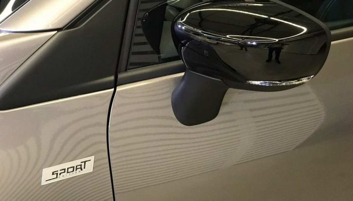 Renault Captur Sport Edition completa la gamma crossover del marchio francese - Foto 4 di 18