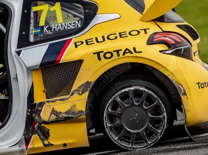 Il giovane Kevin Hansen (Peugeot 208 WRX) dimostra che può lottare per il podio - Foto 1 di 2
