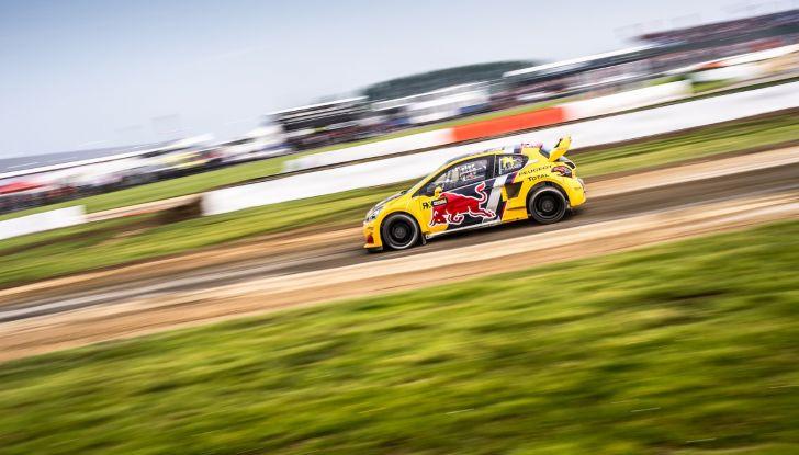 Il giovane Kevin Hansen (Peugeot 208 WRX) dimostra che può lottare per il podio - Foto 2 di 2