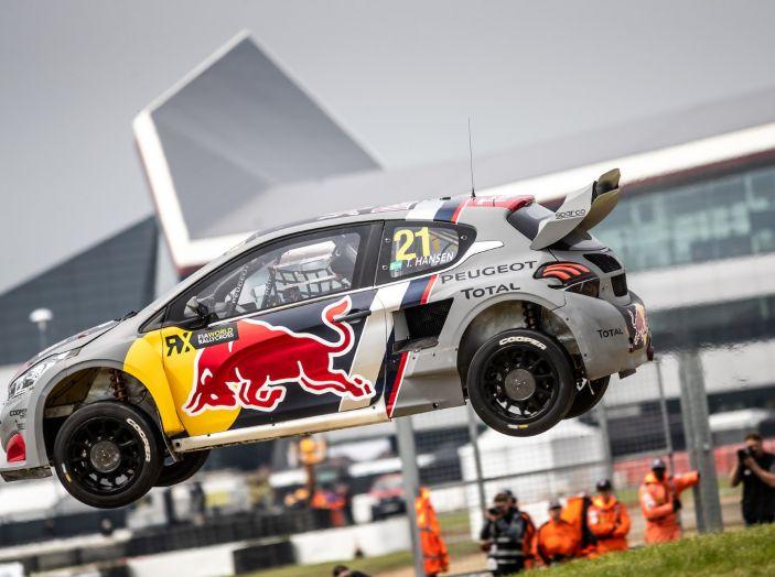 Timmy Hansen (Team Peugeot Total) sfortunato nella gara inglese del WRX - Foto 1 di 1
