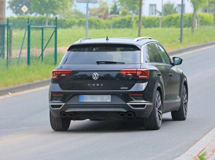 Volkswagen T-Roc R, primi test per la variante sportiva - Foto 14 di 15