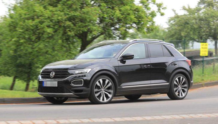 Volkswagen T-Roc R, primi test per la variante sportiva - Foto 3 di 15