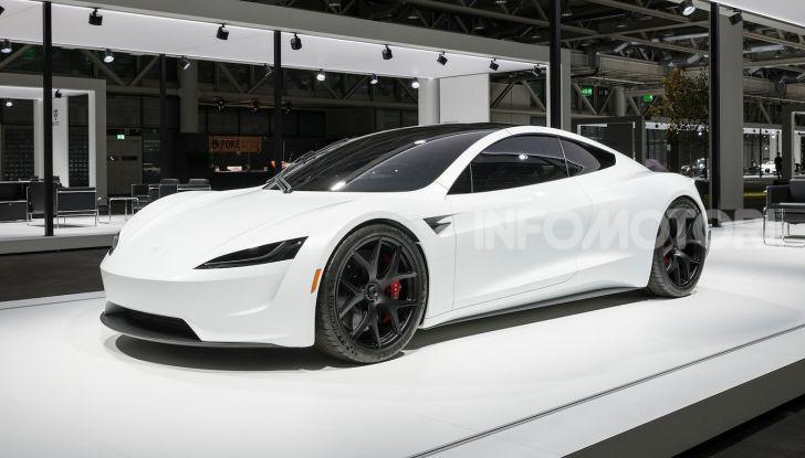La Tesla Roadster 2 batte la Ferrari F1 2019 in una Drag Race al Sym - Foto 12 di 13