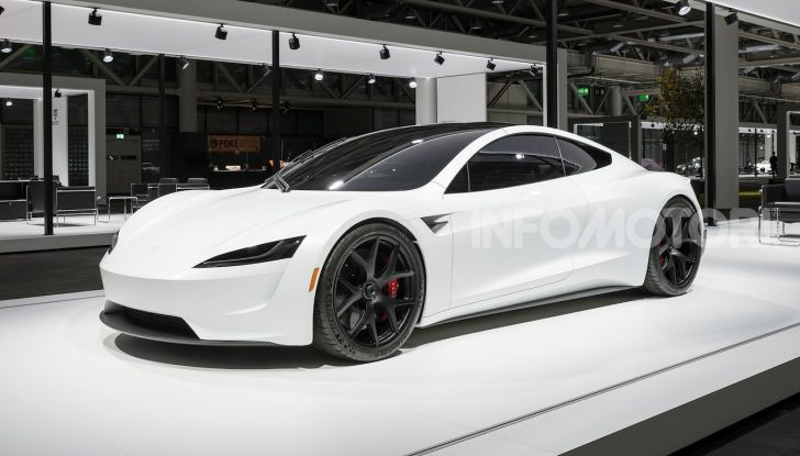 Tesla Roadster 2020 con speciale allestimento SpaceX Package - Foto 12 di 13