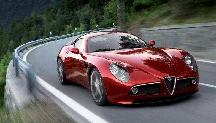 Alfa Romeo 8C, la supercar da 700 CV con motore elettrico - Foto 3 di 9