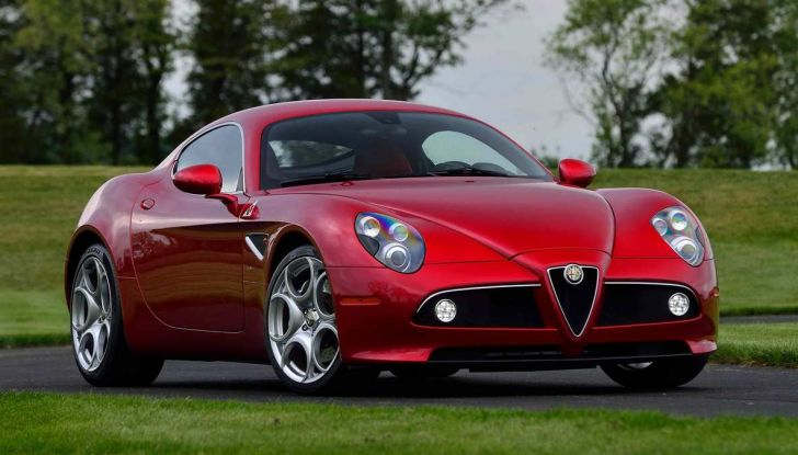 Alfa Romeo 8C, la supercar da 700 CV con motore elettrico - Foto 6 di 9