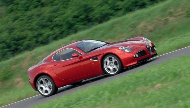 Alfa Romeo 8C, la supercar da 700 CV con motore elettrico - Foto 7 di 9