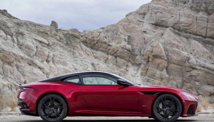 Nuova Aston Martin DBS Superleggera, il V12 Twin Turbo da 725CV - Foto 10 di 11