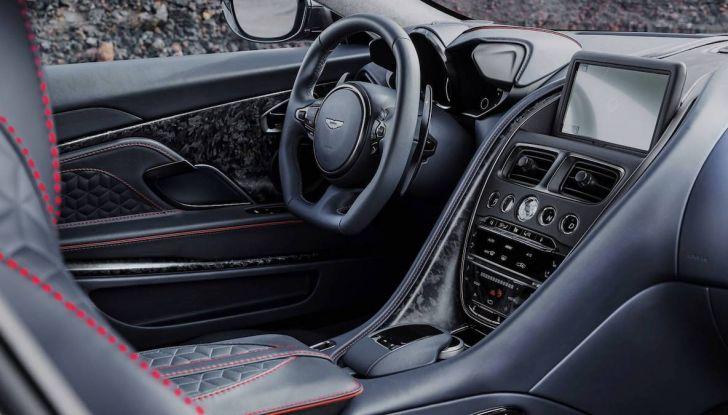 Nuova Aston Martin DBS Superleggera, il V12 Twin Turbo da 725CV - Foto 3 di 11