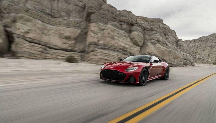 Nuova Aston Martin DBS Superleggera, il V12 Twin Turbo da 725CV - Foto 6 di 11