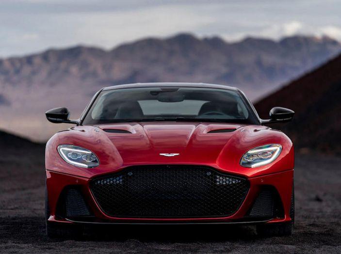 Nuova Aston Martin DBS Superleggera, il V12 Twin Turbo da 725CV - Foto 8 di 11