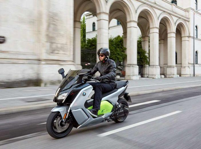 BMW Group, nel futuro mobilità elettrica, digitalizzazione, condivisione e guida autonoma - Foto 5 di 17