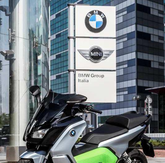BMW Group, nel futuro mobilità elettrica, digitalizzazione, condivisione e guida autonoma - Foto 15 di 17